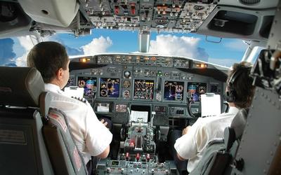 У кабіні літака
