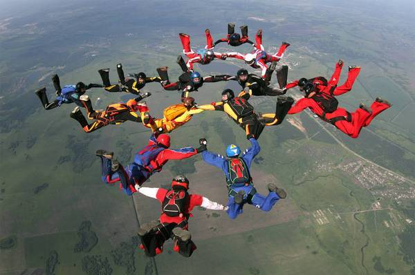 стрибки з парашутом