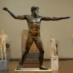 бронзова статуя
