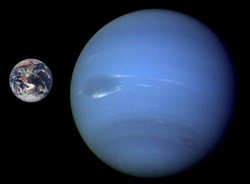 Нептун і Земля