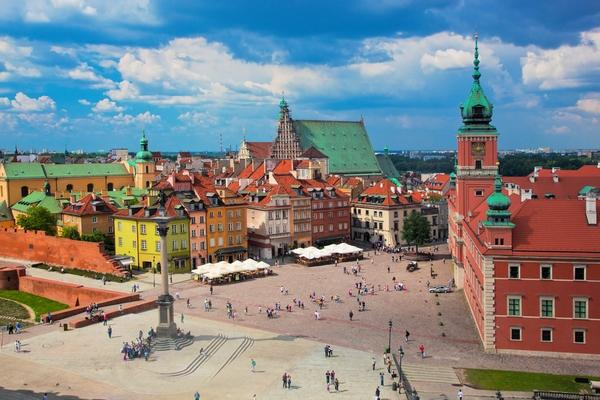 двірцева площа у Варшаві