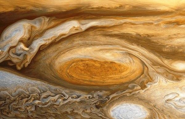 Велика червона пляма на Юпітері