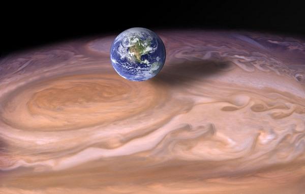 Юпітер та Земля