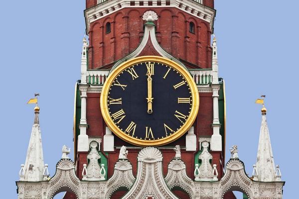 Башенные часы московского кремя