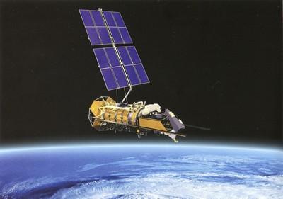 океан и спутник