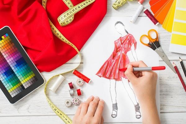 Дизайнер одягу