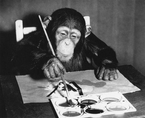 Шимпанзе малює